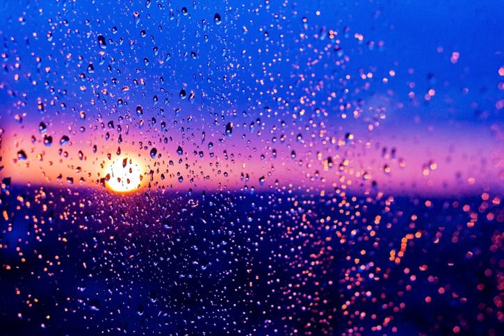 hujan dan rembulan